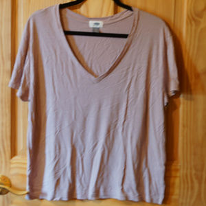 Old Navy T-shirt * New to Closet *